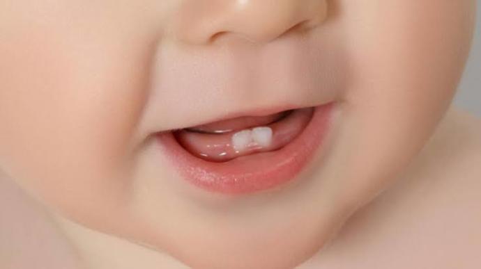 Bebişler diş çıkarmaya başlayınca nelere dikkat edilmeli?