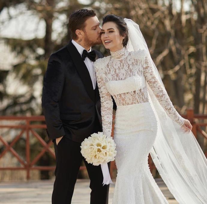 Burcu Kıratlı ve Sinan Akçıl çifti 2. defa evlendi! Eski eşinize şans verir miydiniz?