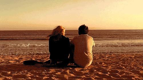 Sevgili ile gidilen tatil mi daha eğlenceli olur, arkadaşlarla gidilen tatil mi?