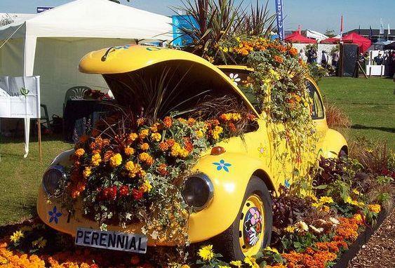 Arabana çiçek gibi bakar mısın?