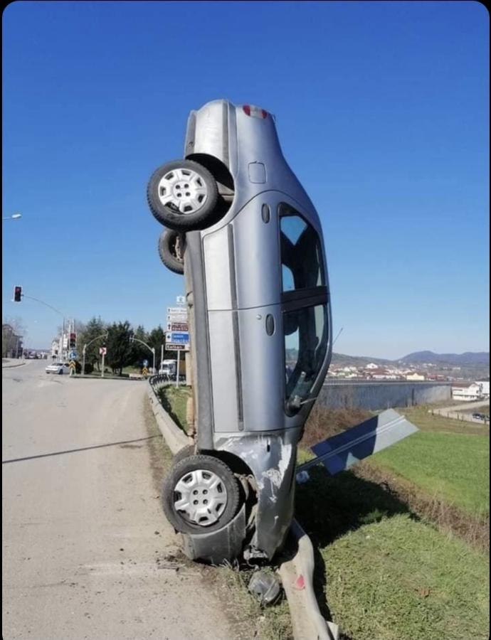 Taşıt , araçları ile trafik kazası geçirdinizmi?