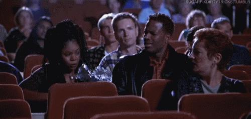 Sinemada film izlerken sizi en çok rahatsız eden şey nedir?
