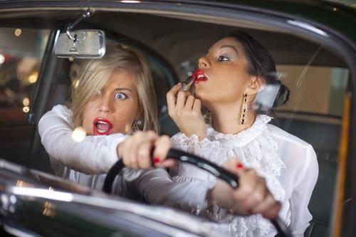 Kadınların kullandığı arabaya binmeden önce sevdiklerimizle vedalaşmamız gerekir mi?