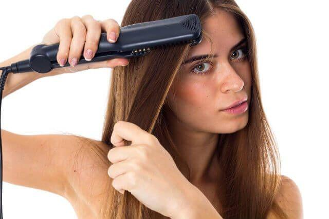 Saçlarınızı düzleştirirken fön mü yoksa düzleştirici mi kullanıyorsunuz?