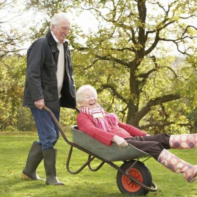 Yaşlandığında hareketli mi olursun miskin mi?
