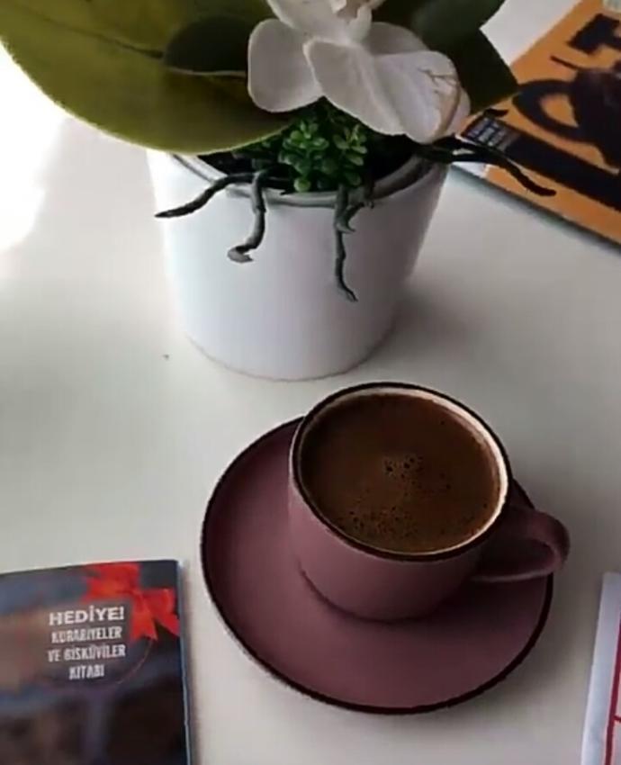 Miss gibi Türk kahvesi varken neyleyim Amerikanoyu kapiçinoyuuu
