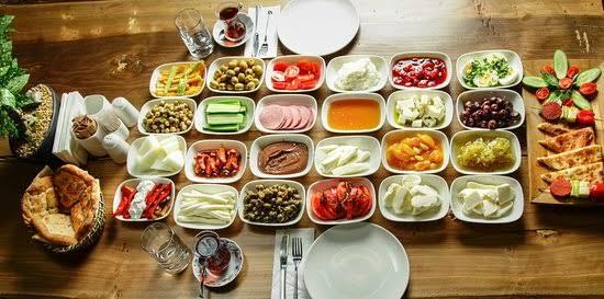 Çocuğunuza kahvaltıda hangi doğal ürünü sevdirmek için uğraş verirsiniz?