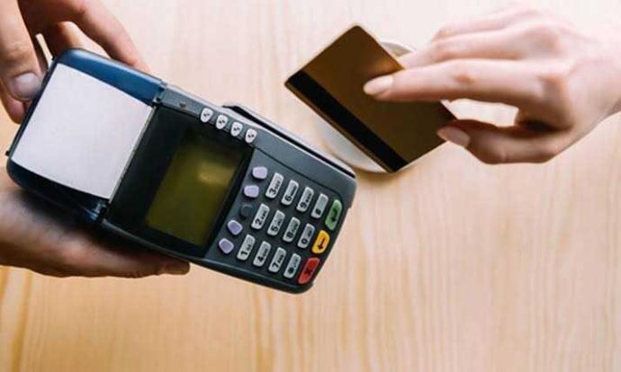Kredi kartı kullanmak fazla harcamamıza neden olur mu?