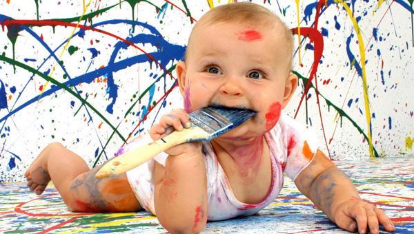 Çocuklarınızın duvarı  ya da  evde başka bir nesneyi boyamasından dolayı kızar mısınız?