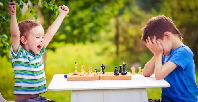 Yenilgiyi kabullenemeyen bir çocuğa ebeveynlerin yaklaşımı nasıl olmalı?