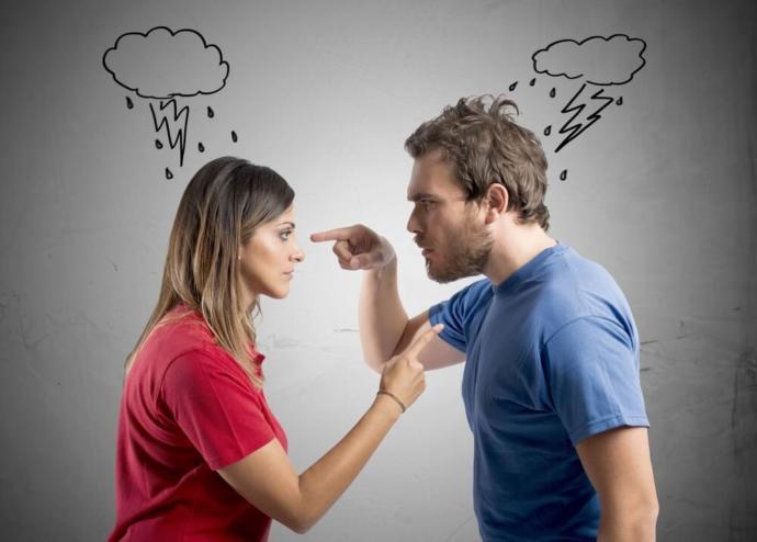 Karşı cinsin sürekli sizi suçlayan tavırlarına nasıl karşılık verirsiniz?