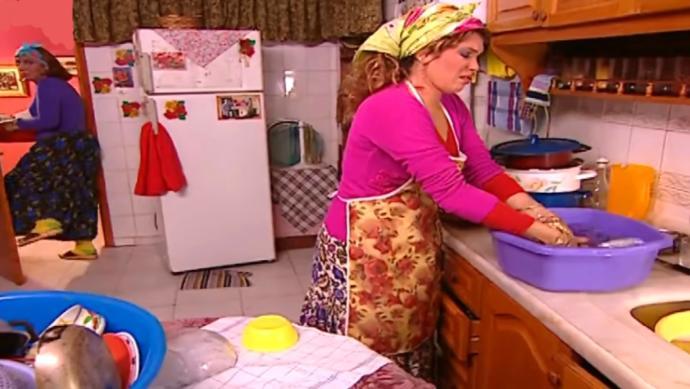 Kayınvalidenizin evini temizler misiniz?