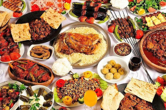 Her türlü yemeğin bulunduğu bir lokataya gitseniz yemek tercihiniz nasıl olurdu?