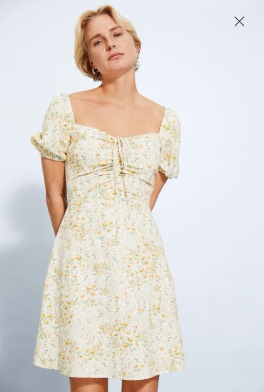 Sizce hangi elbiseyi alayım?