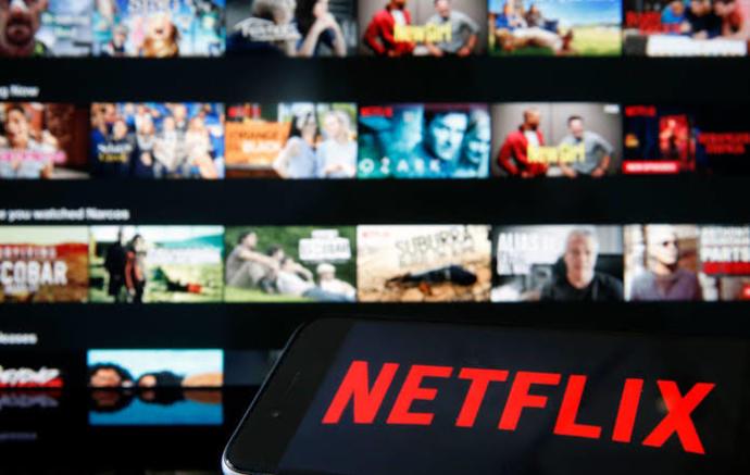Netflix sevilen dizilerin yeni sezonunu çekmek yerine neden sürekli farklı dizi çıkarmaya çalışıyor?