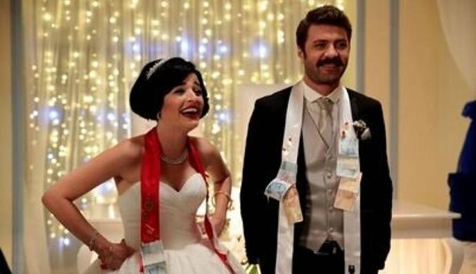Eski sevgili ile arkadaş kalsanız düğün davetiyesini kabul eder miydiniz?