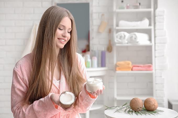 Mevsim geçişiyle birlikte saçlarınızda ne gibi değişiklikler meydana geliyor?