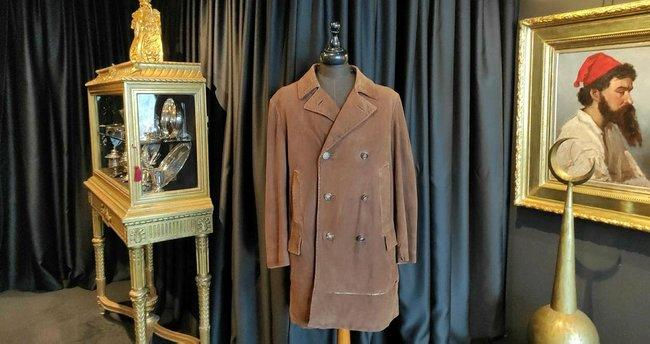 Atatürk'ün ceketi açık artırmada. Almak ister miydiniz?