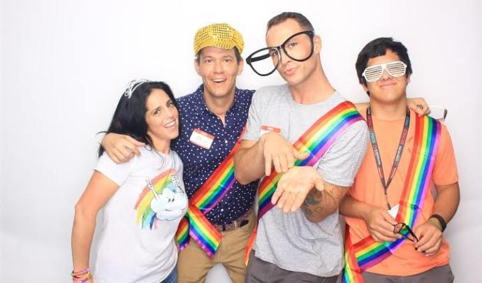 Ailenizden birinin eşcinsel olduğunu öğrenseniz, tepkiniz ne olurdu?