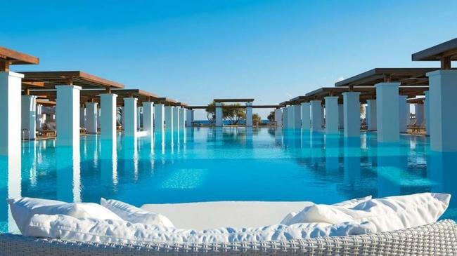 Oturduğunuz sitede havuz olması tatil ihtiyacınızı azaltır mıydı :) ?