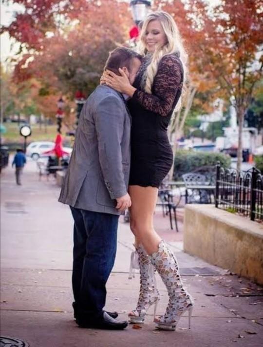 Sizden uzun kadınla çıkarmısınız?