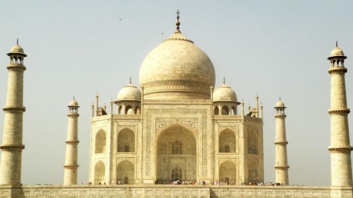 Sizce Taç Mahalı gezmek için Hindistana gidilir mi?