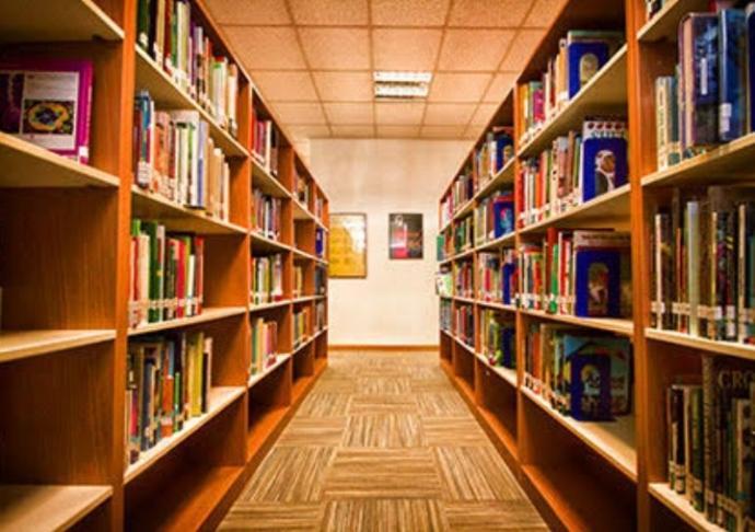 Bir kitaplığınız/kütüphaneniz var mı?