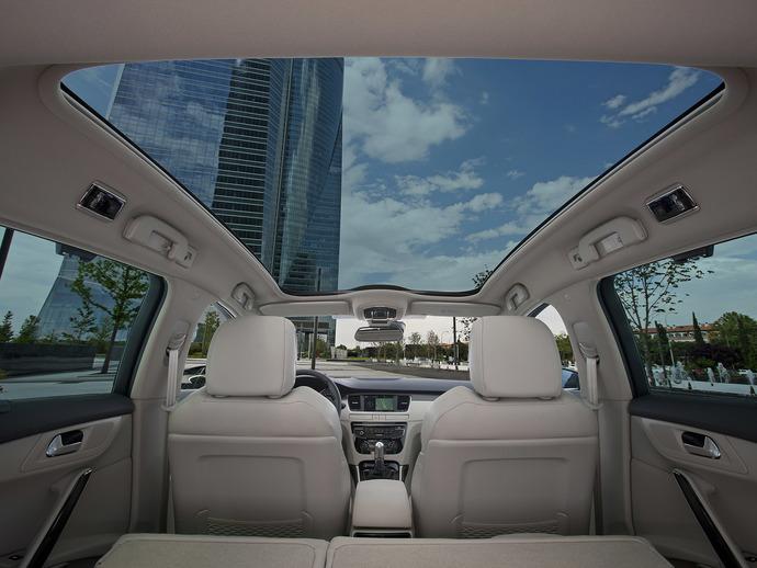 Panoramik cam tavan, size göre güvenli mi?