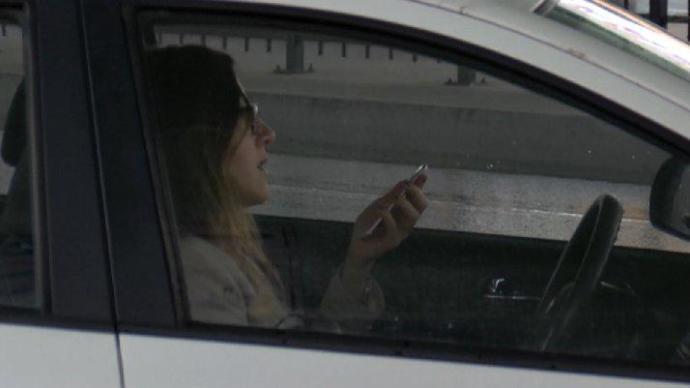 Araç kullanırken cep telefonu kullanma alışkanlığınız var mı?