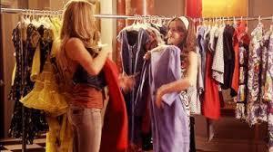 Alışveriş yaparken beğendiğiniz iki kıyafet arasında kaldığınızda ikisini birden aldığınız oluyor mu?