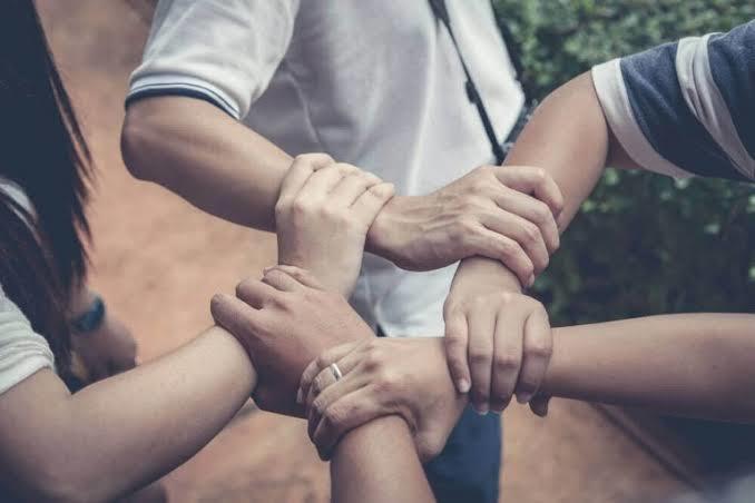 Eşiniz/sevgiliniz sizden habersiz ve gizli şekilde insanlara yardım ettiğini öğrenseydiniz ne yapardınız?