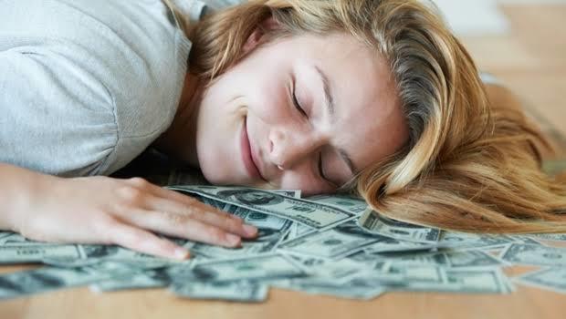 Sadece uyuyarak 12 bin 300 lira kazanmak ister misin?