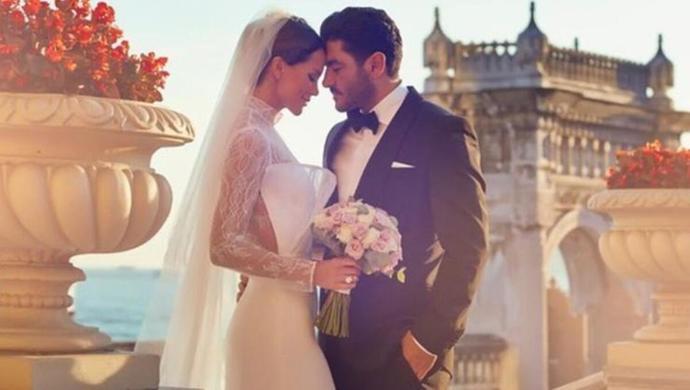 Ebru Şallı, Uğur Akkuşla evlilik sözleşmesi imzaladığını söyledi! Siz maddesi ne olursa olsun evlilik sözleşmesi yapar mısınız?
