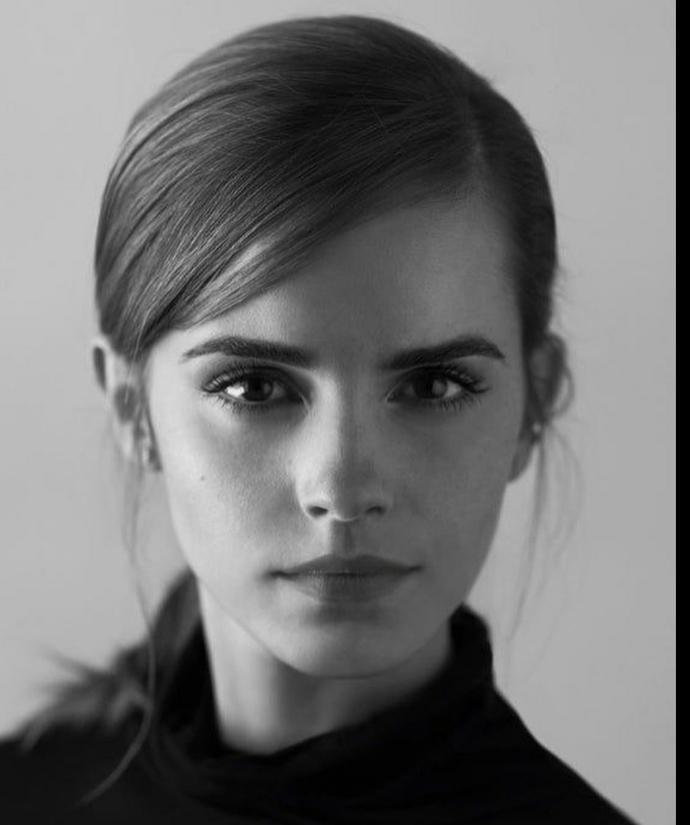 Sizce de Emma Watsonın Çok Duru Bir Güzelliği Yok Mu?