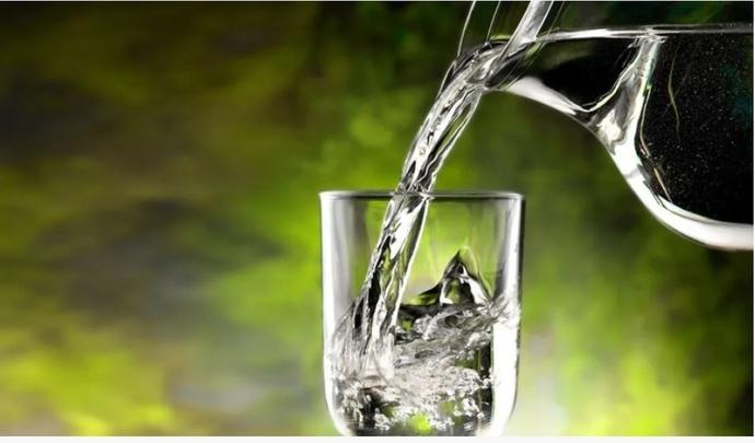 Uzmanlar 7 durumda su içilmemesini tavsiye ediyor. Peki siz bu durumlardan hangilerinde su içiyorsunuz?