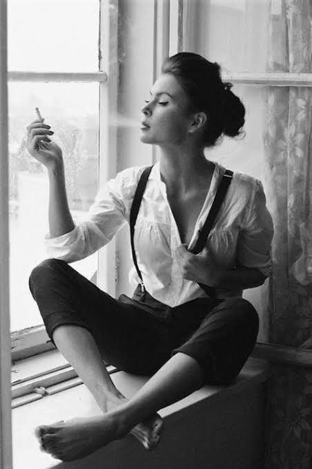 Sigara içen bir kadın itici midir?