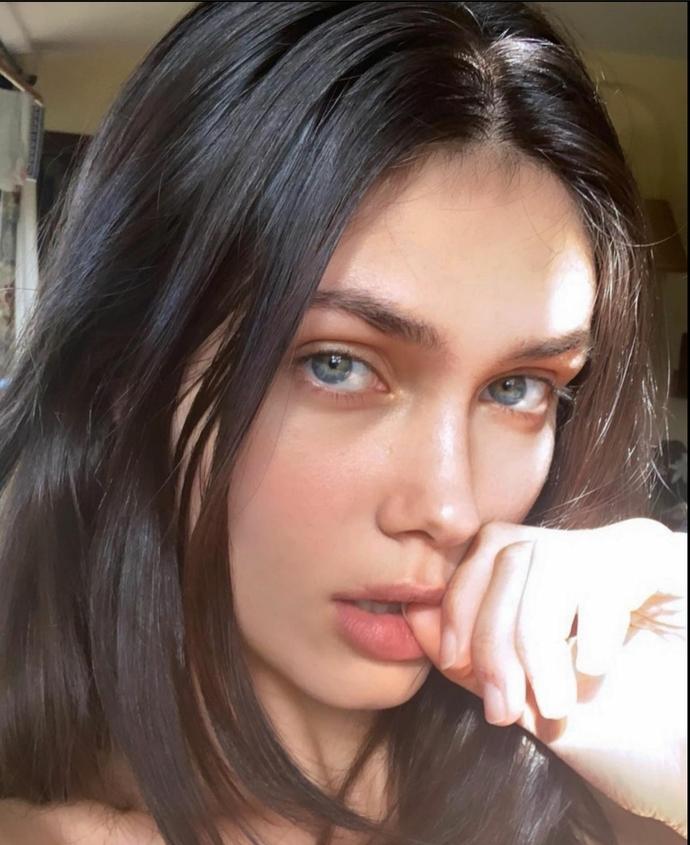 Victoria Bronova Barbara Palvinden Çok Daha Güzel Değil Mi?
