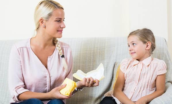 İlk defa regl olan kız çocuklarına nasıl davranılmalı 🏵?