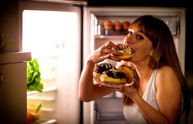 Sürekli yemek yeme isteği nasıl giderilir?