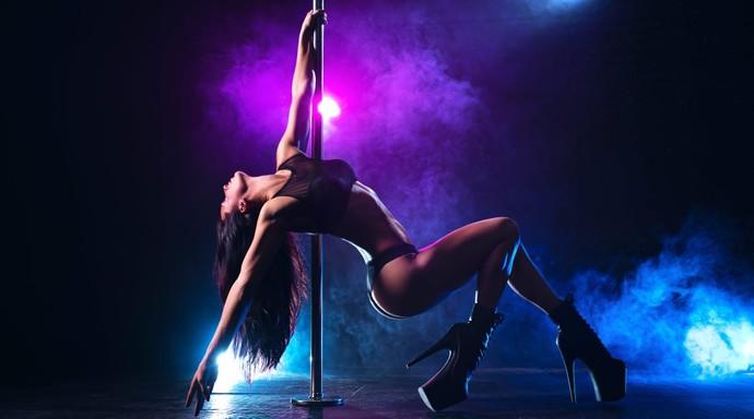 Partnerin senden striptiz yapmanı istese ne tepki verirdin?