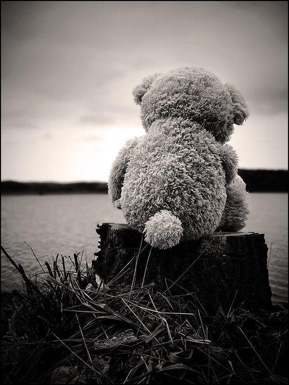 Ayrıldığın kişiye ait ne varsa kaldırıp atmak onu unutmayı kolaylaştırır mı?