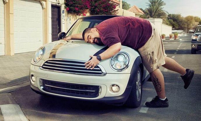 Eski sevgilinin aldığı arabayı iade eder miydin?