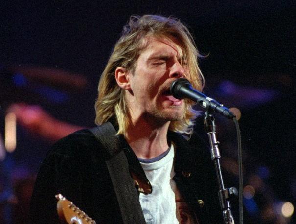 Kurt Cobain'in saçları açık artırmada satıldı! Siz vefat eden, yaşayan bir ünlünün saçlarına para vererek talip olur musunuz?