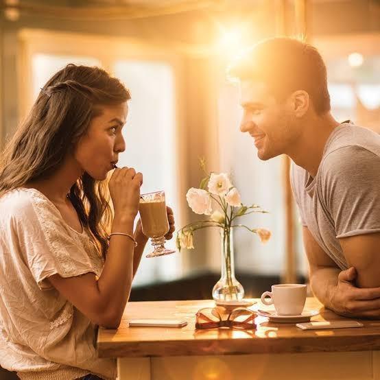 İlk buluşmaya saçları bakımsız gelen sevgili ile yolunuza devam eder misiniz?