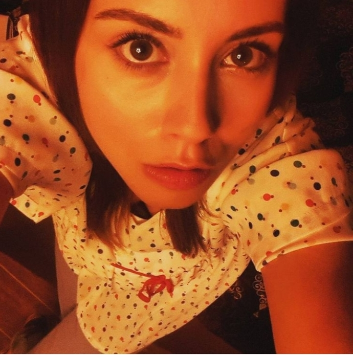 Bu Türk kadın oyuncu Türk kadının güzelliğini temsil etmiyor mu?