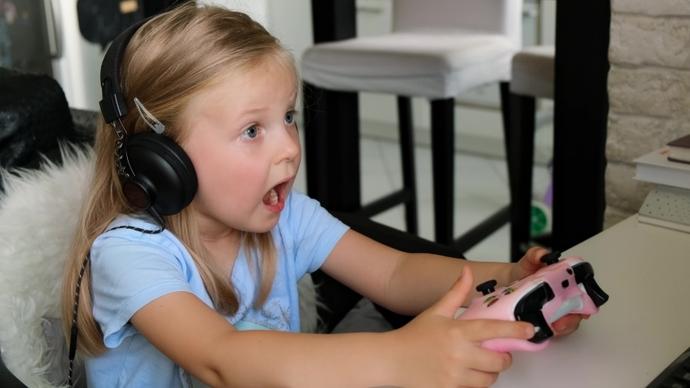 3 yaşındaki kızım büyüyünce playstation olmak istiyormuş, sizin çocuklarınız büyüyünce ne olmak istiyor?