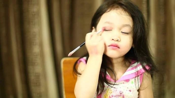 Çocuklar makyaj yapmaya neden meraklıdır?