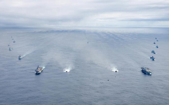 Savaş gemileri İstanbul Boğazından geçecek. Sizce savaş mı olacak?