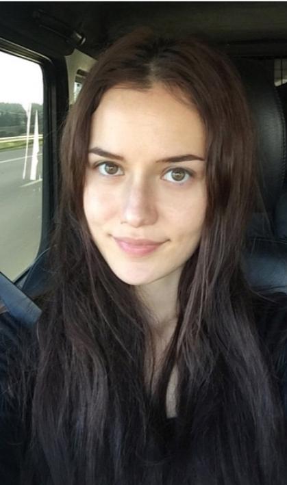 2014e ait bu fotoğraf. Burda yaşı 28 ve net Türkiyenin en güzel kadınlarından biri.