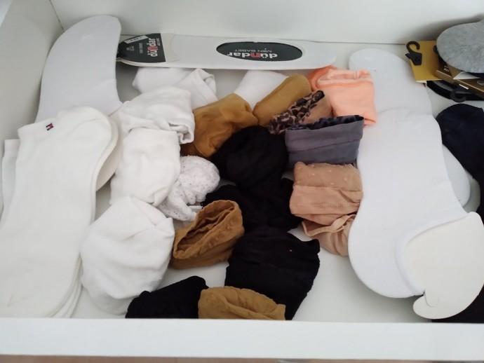 Çorap çekmecemin bir kısmı böyle, beyaz çorap takıntım çok mu garip?